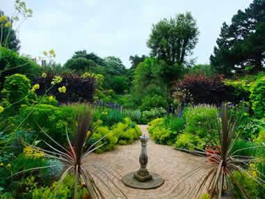 Hidecote-garden
