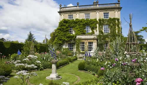 Highgrove-house-garden-2