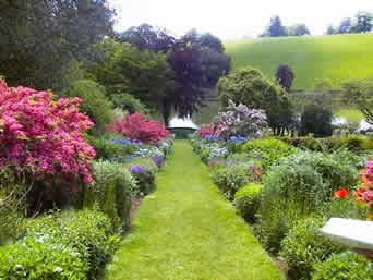 StratforduponAvon road garden